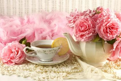 Vintage teacup and flowers